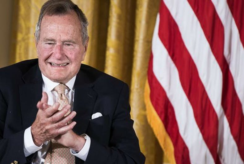 George H.W. Bush says he will vote for Hillary Clinton