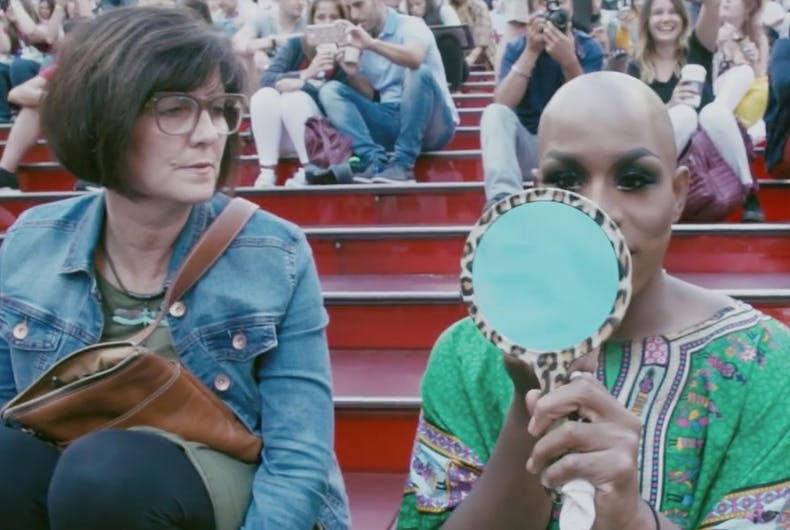 That time Monét X Change got ready in Times Square & made an unexpected friend