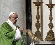 Pope Francis adamantly backs Mexico's marriage equality protesters