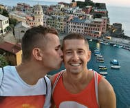 Polish gay couple responds to death threats with video promoting love