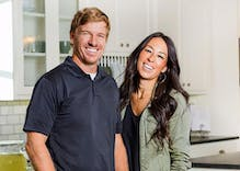 Pastor of HGTV's 'Fixer Upper' hosts says their antigay church is not antigay