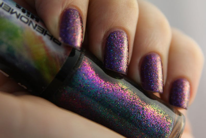1024px-Glitter_nail_polish_(purple)