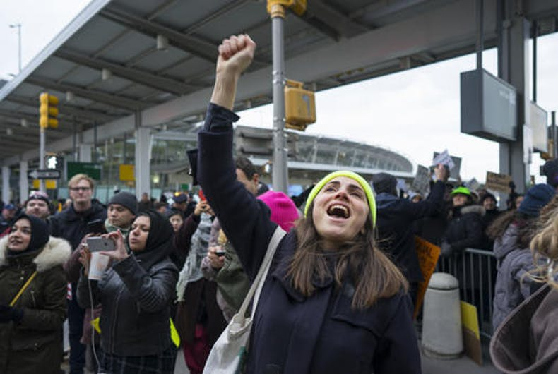 US judge temporarily bars deportations under Trump's anti-Muslim travel ban
