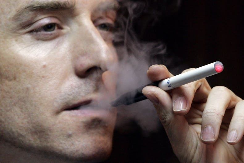FDA investigates: Is your e-cigarette going to explode in your mouth?