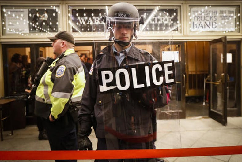 Resist Trump: Smashed windows, chaotic confrontation near inauguration