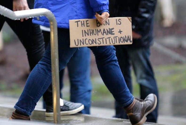 Federal judge temporarily blocks Trump's anti-Muslim travel ban nationwide