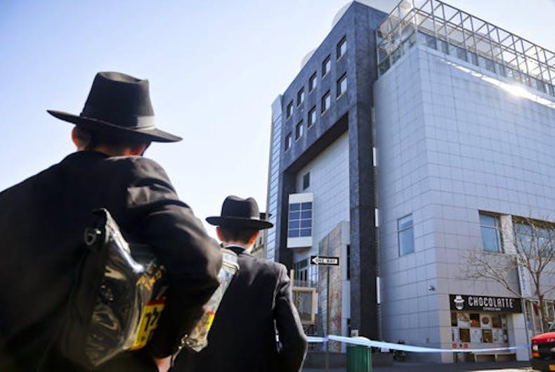 Jewish man makes anti-semitic bomb threats: is this internalized oppression?