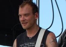 Blink 182 guitarist responds to homophobia like a rock star