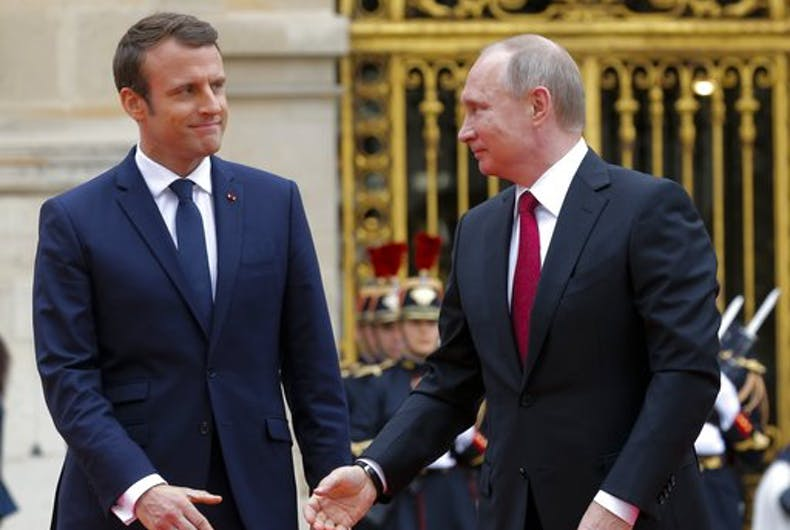 Gay issues discussed at meeting of France and Russia's leaders