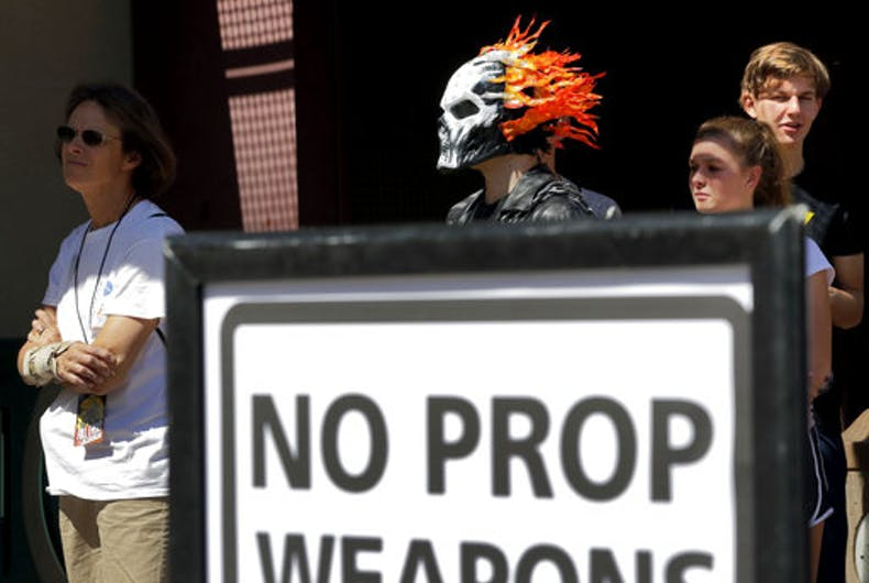 Comicon security bans fake weapons, including plastic swords