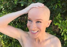 Kathy Griffin shaved her head to support her sister's battle with cancer