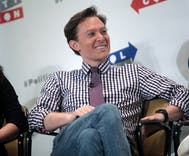 Clay Aiken bought Twitter followers & then used them to attack Volvo