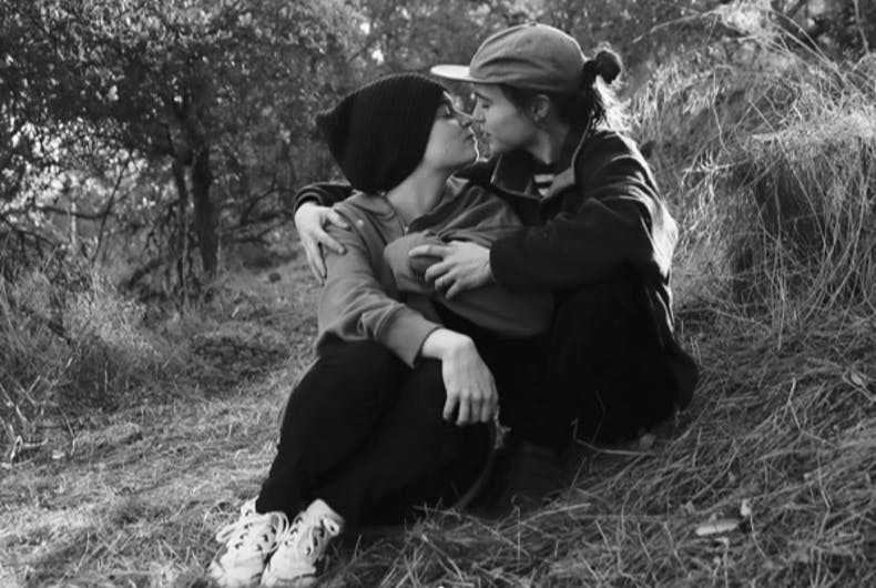 Ellen Page announces she got married with a sweet & simple Instagram post