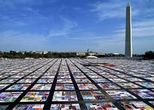 Pride in Pictures 1987: The AIDS Memorial Quilt goes on display