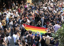 Police used tear gas & rubber bullets to stop Istanbul Pride