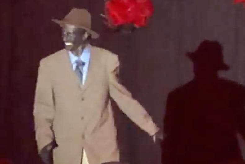 A drag king tried to perform in blackface at a show in Hawaii before organizers yanked him off stage.