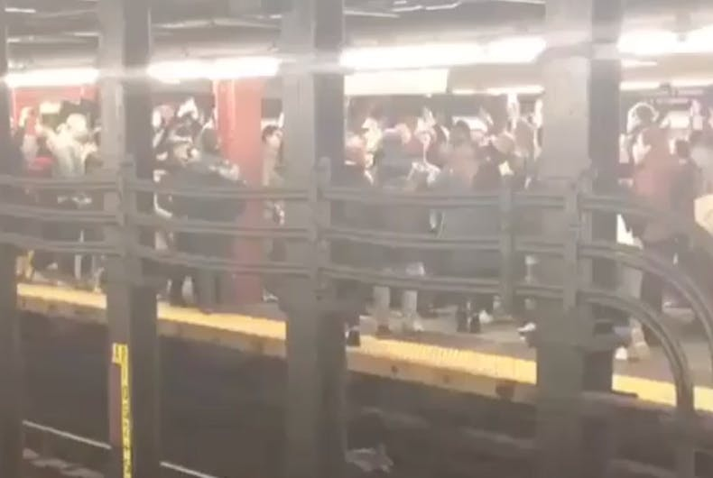 Robyn fans had an impromptu dance party on the NYC subway Penn Station platform