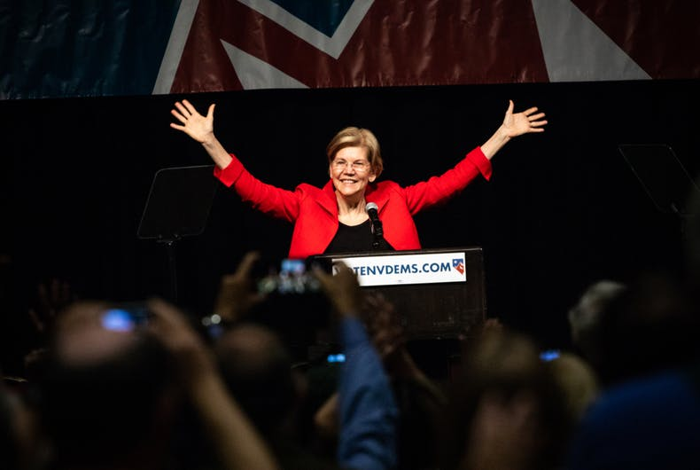 Elizabeth Warren warms up the crowd at the Nevada Democratic Party state convention in 2018