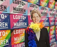 Elizabeth Warren's campaign went to DragCon to help her win the Democrats' presidential pageant