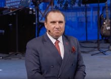 Megachurch pastor holds service despite coronavirus warnings & promises everlasting toilet paper