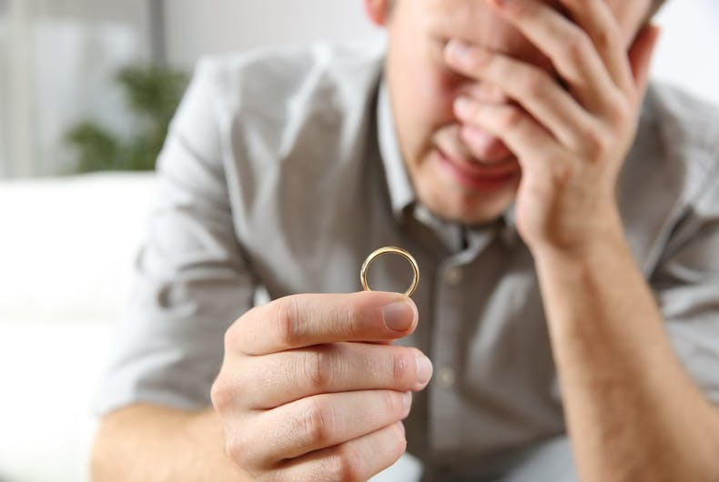 Groom calls off wedding after cheating fiancé is quarantined with another man right before ceremony