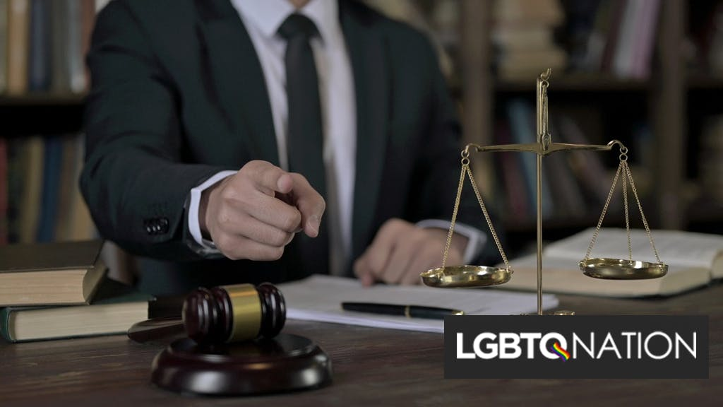 "Lawyer calls judge a ""gay fat f*g"" but claims he can't be homophobic because he has a gay cousin"