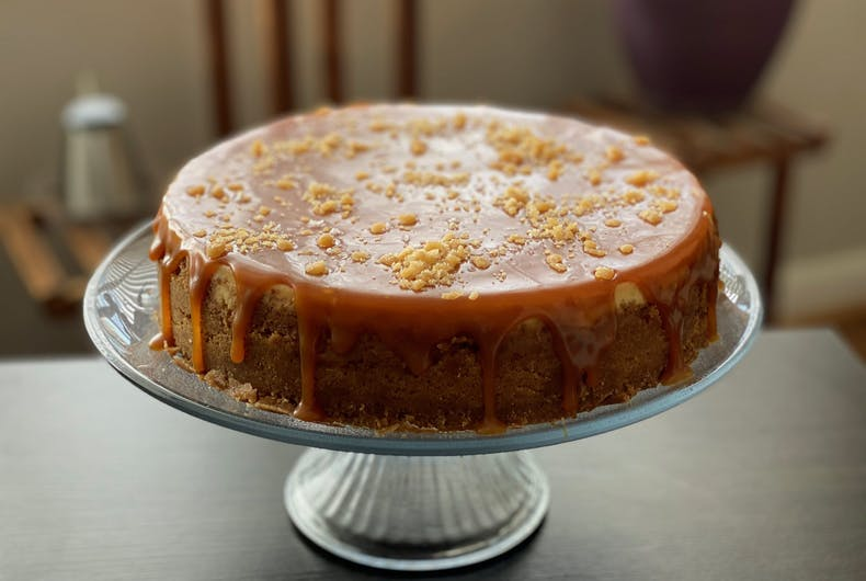 A caramel cheesecake with toffee topping