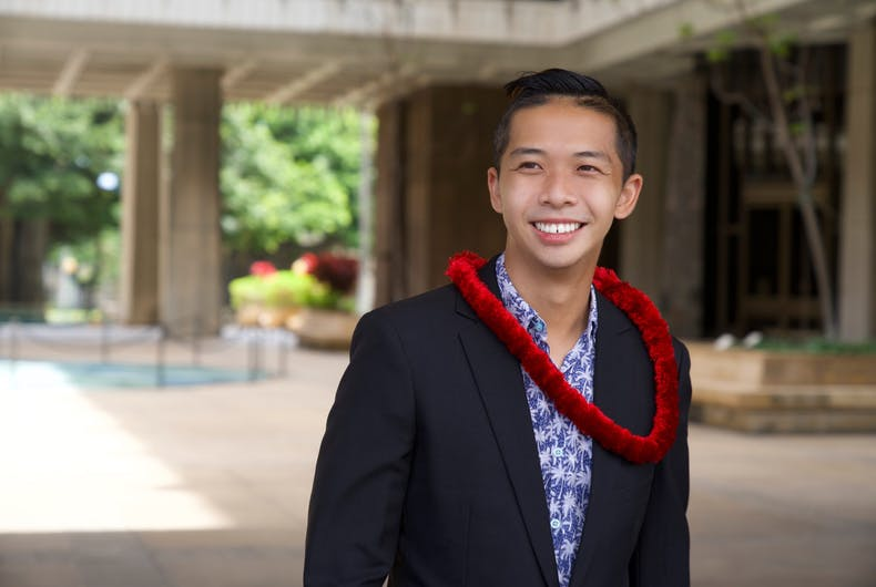 Adrian Tam está se tornando a única autoridade LGBTQ eleita no Havaí